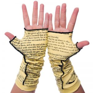 Wizard of Oz gloves by Storiart